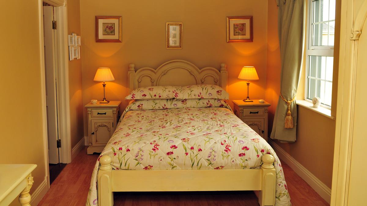 Room 3: Double Room With En Suite Bathroom