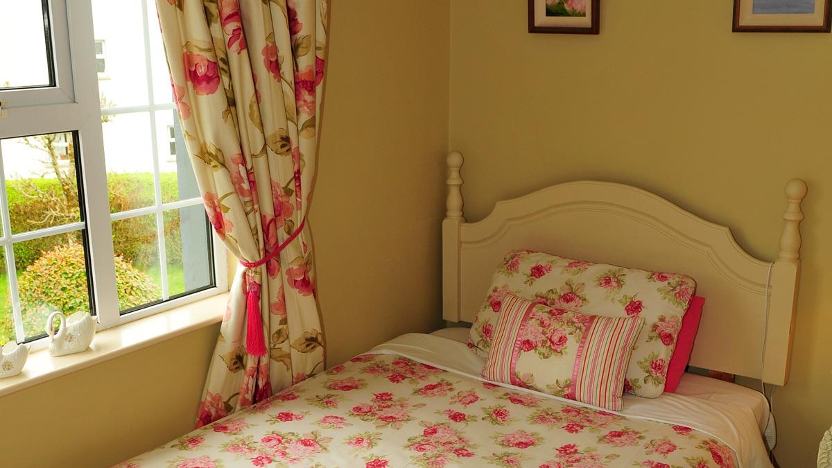 Room 2: Single Room